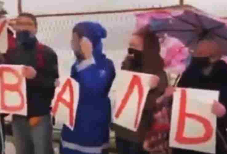 НЕПРИЈАТНО: Пливање за Часни крст у Херцег Новом је проблем, док митинг...