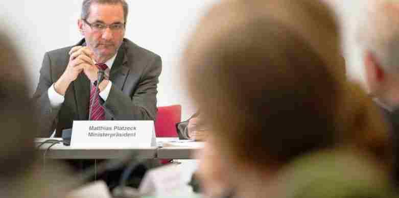 Немачки политичар: Морамо да изградимо боље односе са Русијом