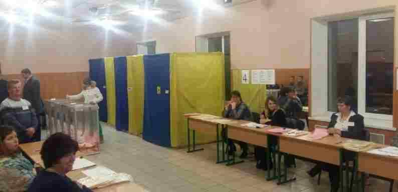 У Украјини се данас одржавају локални избори