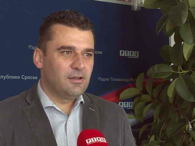 Српски новинар који је добио прву кривичну пријаву за негирање геноцида: Штитим претке и – истину; милом нећу отићи – нека ме хапсе