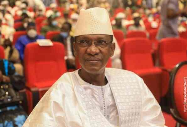 Ножем на привременог председника Малија, обезбеђење савладало нападача