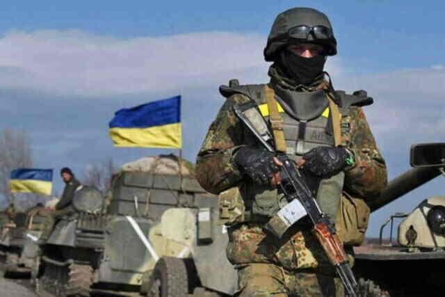 Украјински војник испао је из хеликоптера током вежби у Донбасу