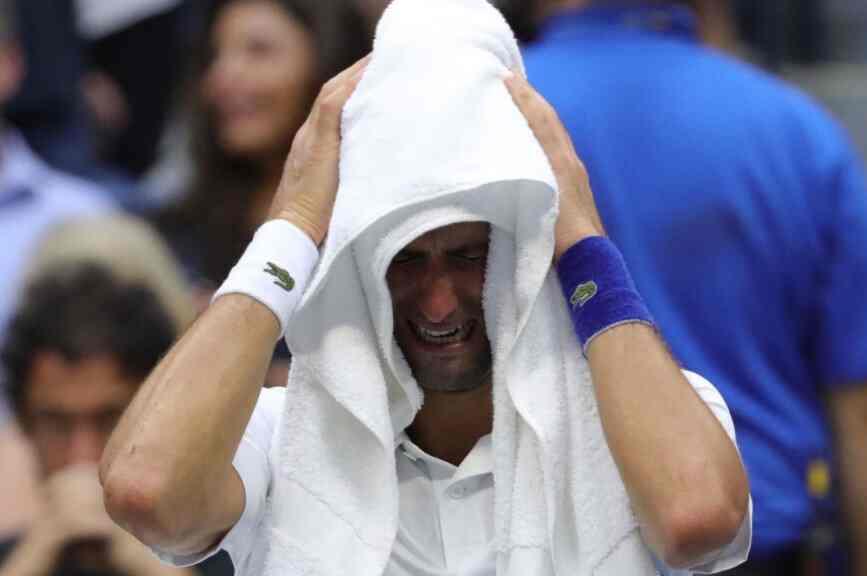 """""""Новакове сузе су лажне"""": Француски психолог шокирао спортску јавност"""