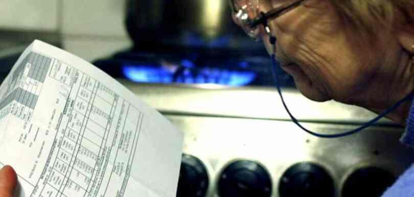 """Украјинци су добили нове рачуне за гас и жале се на """"космичке"""" износе"""